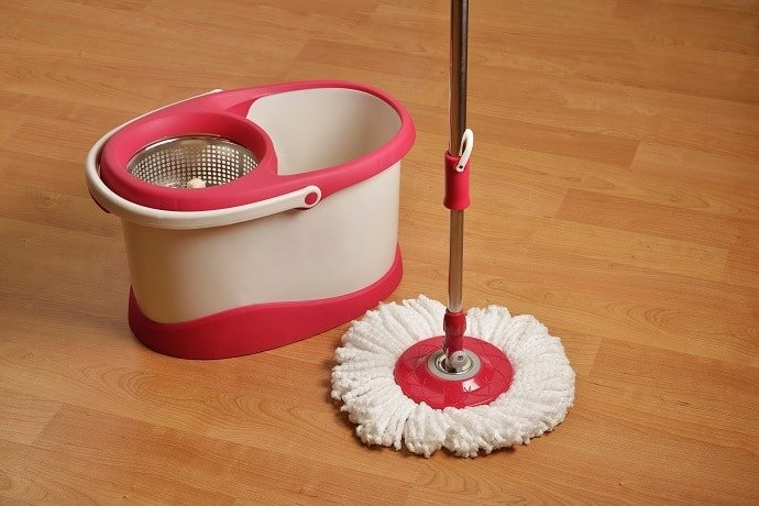 cleaning supplies spin mop